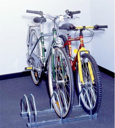 Soporte suelo 3 bicicletas tiendas ibi for Soporte para bicicletas suelo