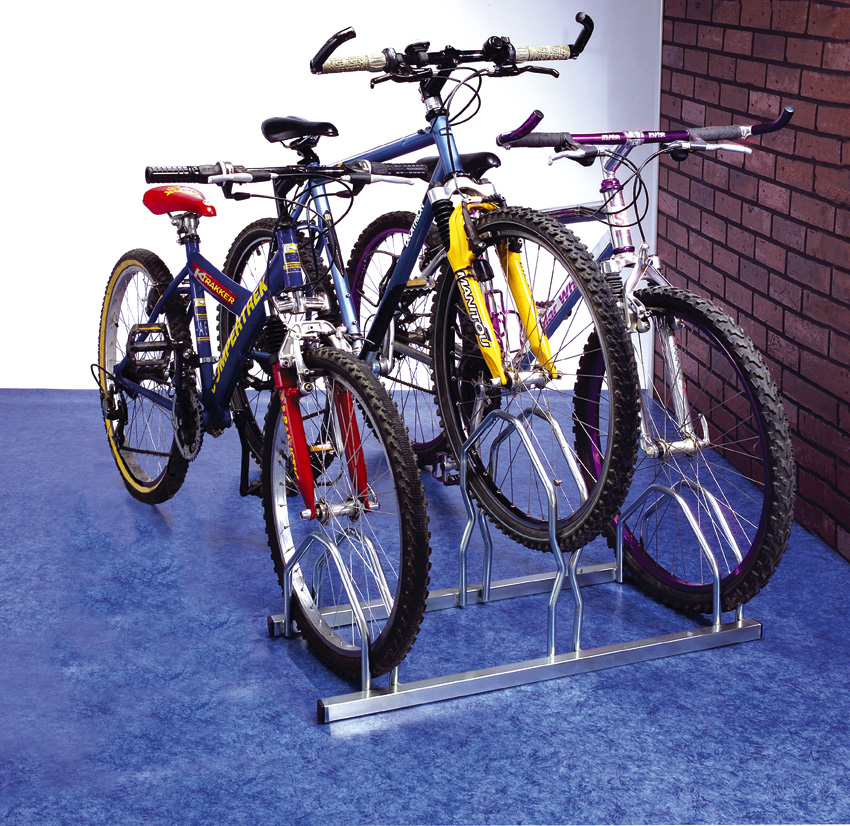 Portabicicletas y porta esqu es port n bola y techo for Soporte para bicicletas suelo