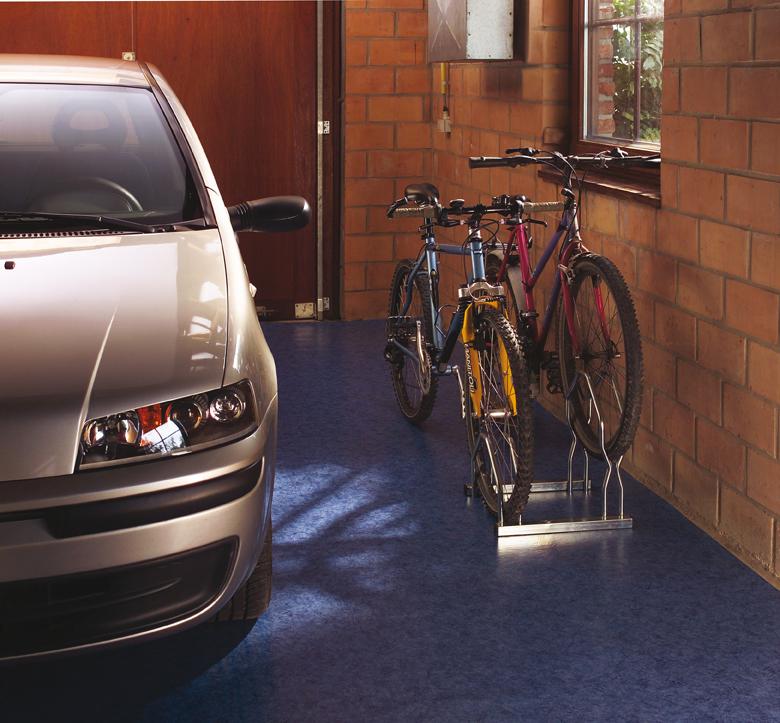 Aparcabicis 2 bicicletas 2 niveles tiendas ibi for Soporte para bicicletas suelo